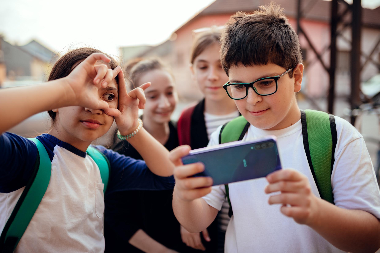 WIKO ensina como ajudar as crianças relativamente ao bullying online e offline no regresso às aulas