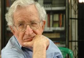 Chomsky alabó a Venezuela y a Bolivia como los países de América Latina que han demostrado que es posible escapar de los 500 años de colonialismo y de dominación de Estados Unidos.