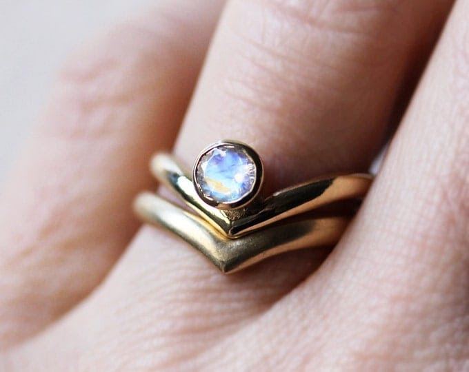 Moonstone wedding ring set, rainbow moonstone engagement ring set, rainbow moonstone ring, 14k gold ring modern engagement ring Arrow custom