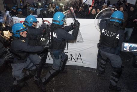 I nuovi scontri a Bologna © ANSA