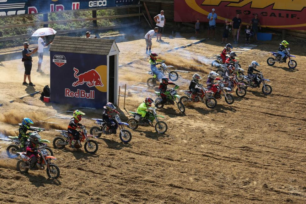 The 65cc 7-11 race gets underway.