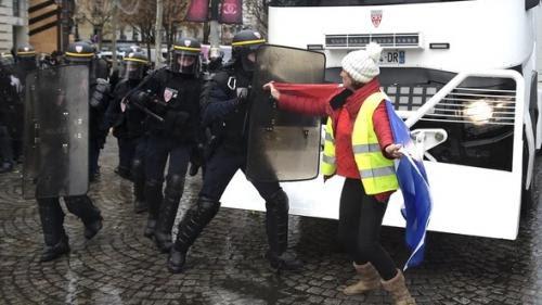 chalecos_policias_francia.jpg