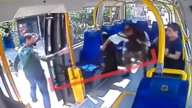 VIDEO. Turquie : une jeune femme giflée dans un bus parce qu'elle portait un short en période de ramadan