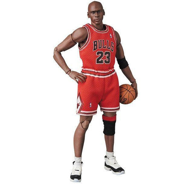 Image of MAFEX Michael Jordan (Chicago Bulls) - APRIL 2020
