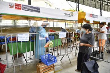 """Más de 5 mil toneladas de alimentos de la agricultura familiar se comercializan en mercados """"De La Chacra A La Olla 2021"""""""