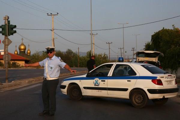 Παρέσυρε αστυνομικό για να αποφύγει τον έλεγχο