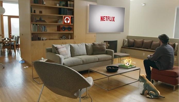 Windows Holográfico: assista Netflix em qualquer lugar (Foto: Reprodução/Barbara Mannara)