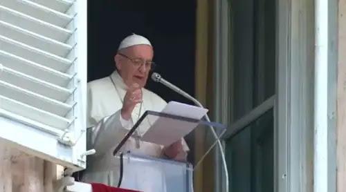 Papa Francisco: Dios no es indiferente ni lejano, Él ama a cada uno