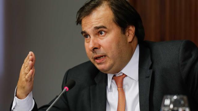 Rodrigo Maia diz que país precisa estar unido no combate à covid-19