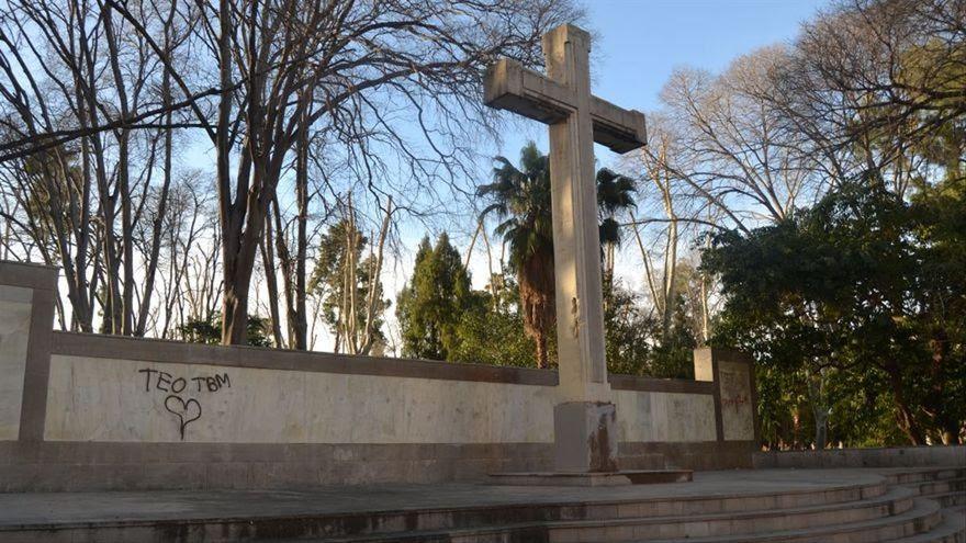 La cruz franquista de Castellón será cedida al obispado y el PP ya prepara una denuncia