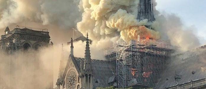 *** Grave incendie à Notre Dame de Paris *** 5c4c2f5d-5f22-40cd-aff7-8d8d37ad7284