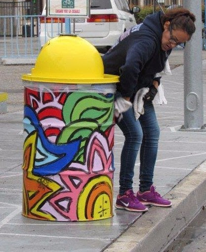 Reseda Blvd Trash Can