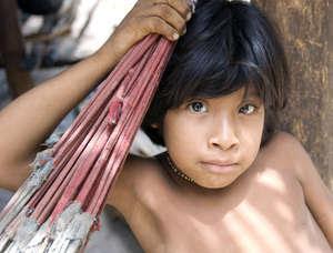 Les peuples indigènes tels que les Awá subissent fréquemment préjugés et violence.