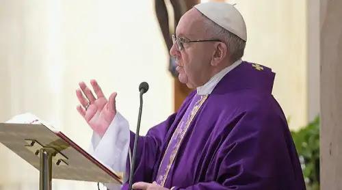 El Papa Francisco defiende los derechos de las mujeres empleadas del hogar