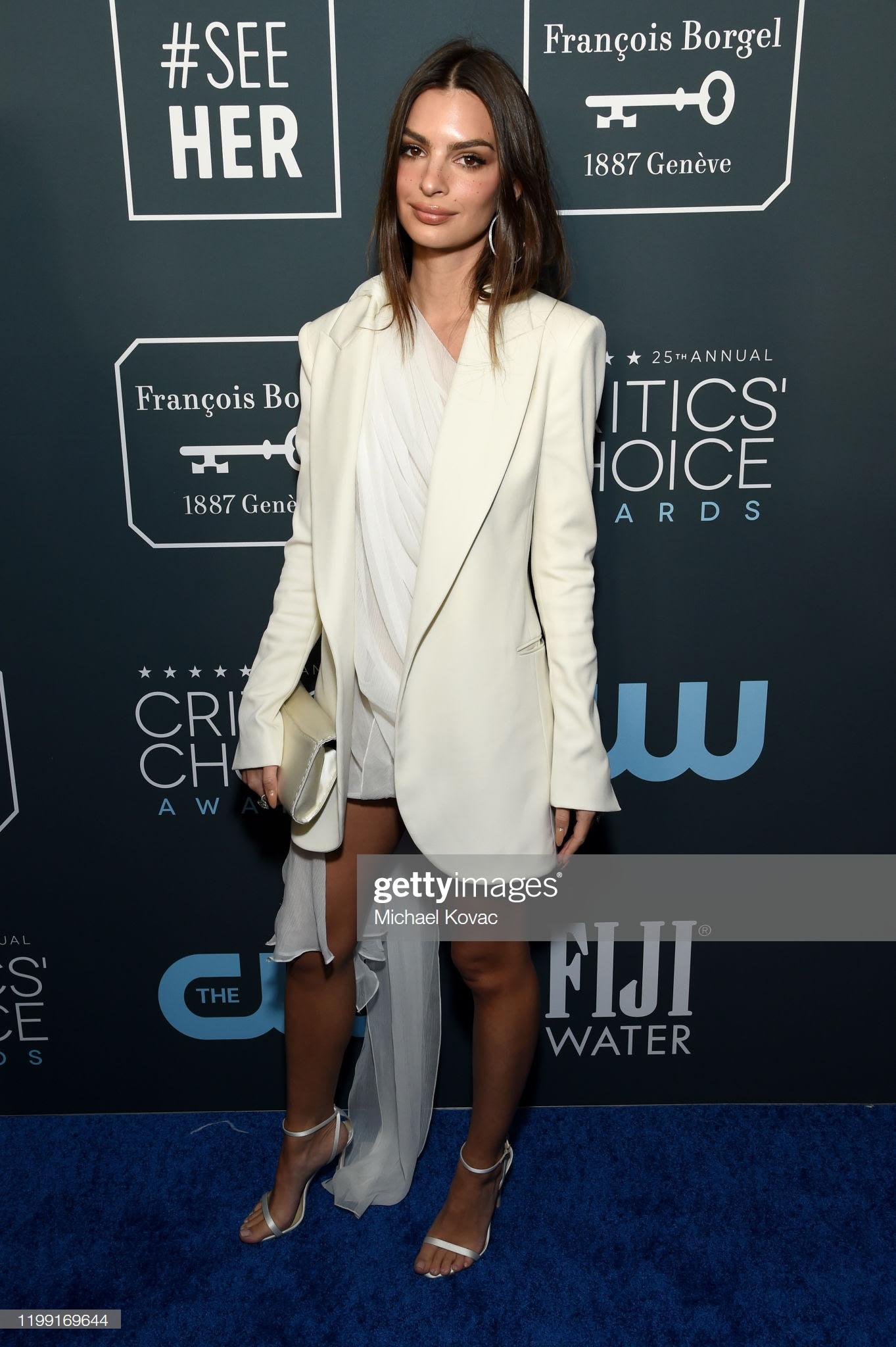 b2612d9b b757 43b0 85d0 5012b9233563 - Jennifer Lopez y Emily,entre las celebrities que apostaron por Jimmy Choo en los Critics' Choice Awards