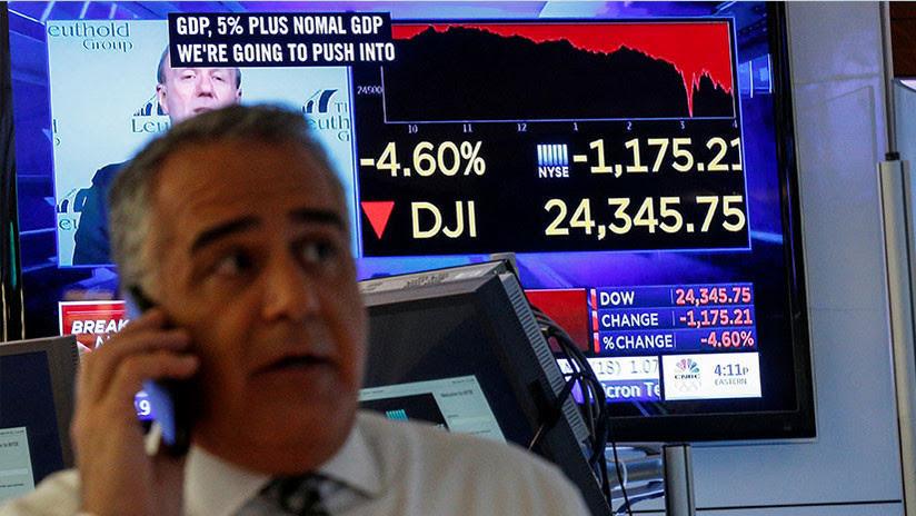 El Dow Jones pierde más de 400 puntos tras el anuncio de la Fed del aumento de la tasa de interés