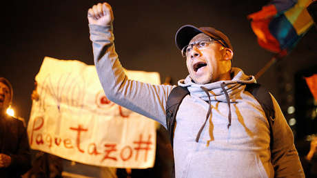 Un hombre grita durante una protesta contra las medidas del gobierno del presidente Lenin Moreno. 2 de octubre de 2019.