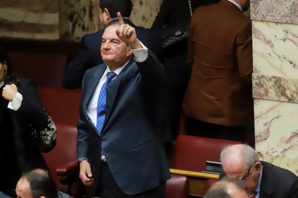 Ηχηρή παρέμβαση Καραμανλή: Αδικαιολόγητη βιασύνη, άλλοι επείγονται όχι η Ελλάδα! Σεβαστείτε τους πολίτες