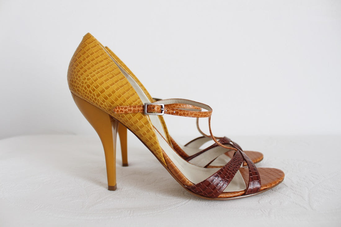 *NINE WEST* DESIGNER YELLOW STRAPPY HEELS - SIZE 7