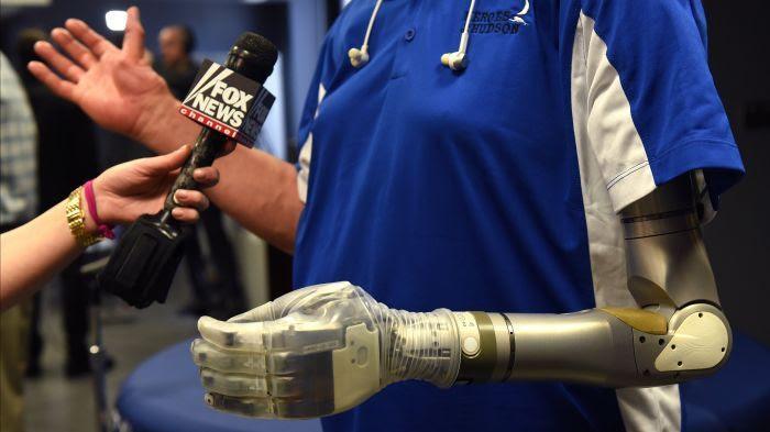 La prothèse robotique conçue par le laboratoire du Pentagone