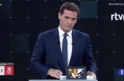 CRÓNICA | El niño Antonio estaba llorando por sus impuestos cuando tú veías el debate