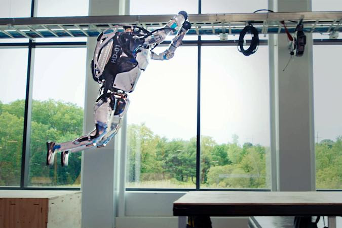 This new Boston Dynamics robot can complete a parkour course easily
