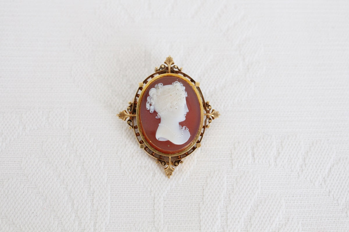 9CT GOLD CAMEO VINTAGE BROOCH PENDANT