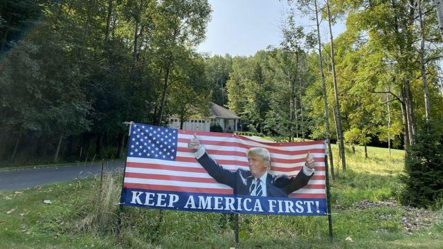 Cartaz da campanha de Trump