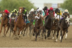 Mighty Heart (inside) leads throughout in the 2020 Queen's Plate at Woodbine