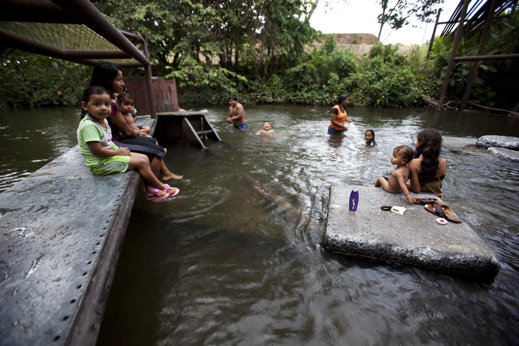 Ecuador bathers