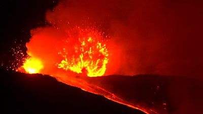 Volcano: How does it feel to live in Etna's shadow? - BBC News
