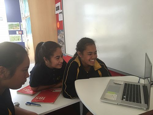 Mangere Central School Japanese students talk to their eteacher in Japan