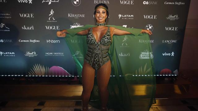Valesca Popozuda rebate críticas sobre ter engordado: 'feliz assim'