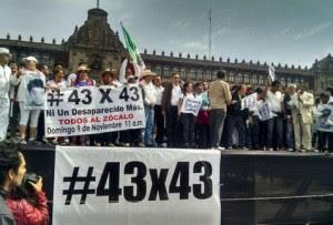 marcha_normalistas-caravana_43x43-desaparicion_normalistas-Palacio_Nacional_MILIMA20141109_0121_8