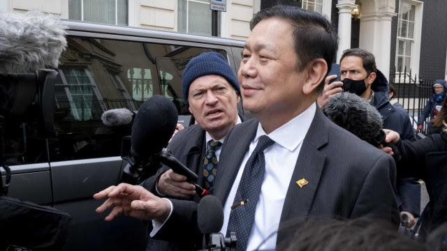 Deposto, embaixador de Mianmar é impedido de entrar na embaixada em Londres