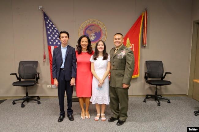 Thiếu tướng William Seeky và gia đình, ngày 31/07/2020. Photo Twitter USMARCENT