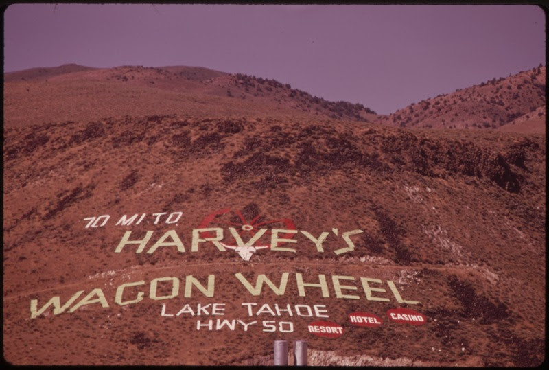File:OUTDOOR ADVERTISING SEEN FROM I-80, APPROACHING RENO FROM THE EAST - NARA - 553126.tif