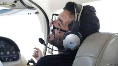 Al uruguayo Damián Sosa se le caían los lentes durante el vuelo. Era surfista y fue diagnosticado a los 24 años.