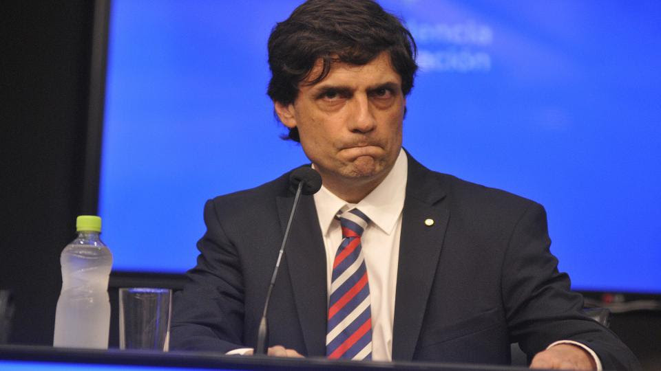 El ministro de Hacienda, Hernán Lacunza, informó que se extiende los plazos de pagos sin quita de capital ni intereses.