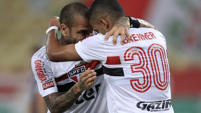 São Paulo dá fim a jejum ao vencer o Grêmio e fica perto de vaga na Libertadores
