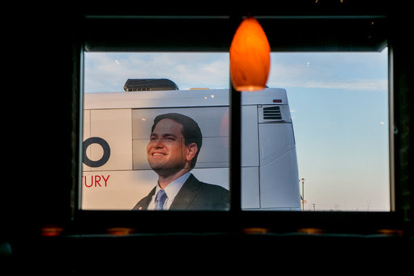 Senator Marco Rubio's bus arrived for a campaign event at a bar in Des Moines on Wednesday.