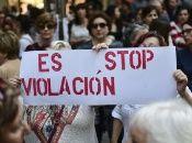 """Los hechos hacen recordar al bullado caso de """"La Manada"""" en el que cinco hombres violaron a una joven y quedaron en libertad condicional."""