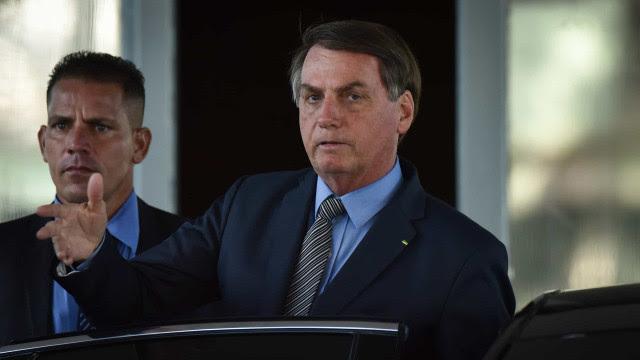 Veto de Bolsonaro que desobrigava uso de máscara é derrubado