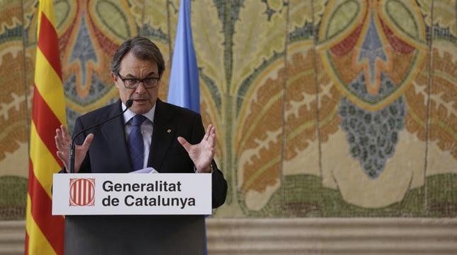 """Artur Mas apuesta por un """"ejército pequeño"""" para un Estado catalán y por seguir en la OTAN"""
