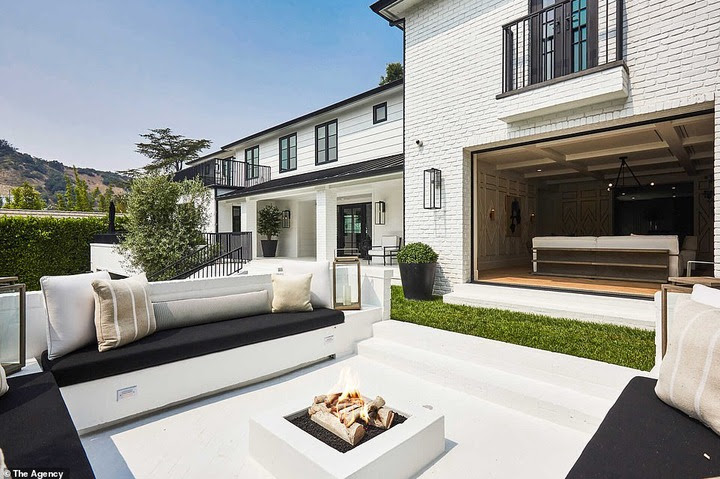 See inside the .8Million Mansion Rihanna just bought in Beverly Hills (photos)
