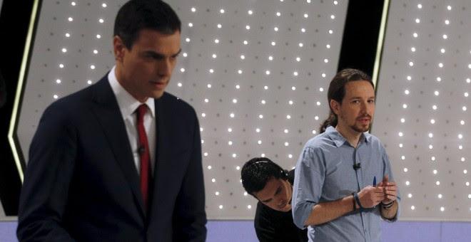 El secretario general del PSOE, Pedro Sánchez, y el líder de Podemos, Pablo Iglesias, en el debate a 4 en Atresmedia. REUTERS/Sergio Perez