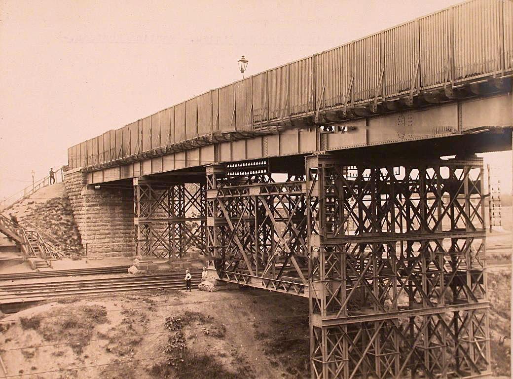 15Вид на мост через Николаевскую железную дорогу