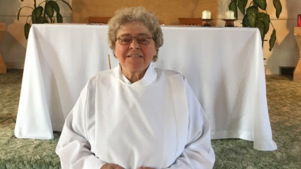 Des mariages pour Mgr Bernard Fellay et sœur Pierrette Thiffault, le carnaval Bergoglien