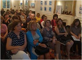 Η Ιουλίτα Ηλιοπούλου παρουσίασε στο Παρίσι την πεντάγλωσση ανθολογία του Οδυσσέα Ελύτη