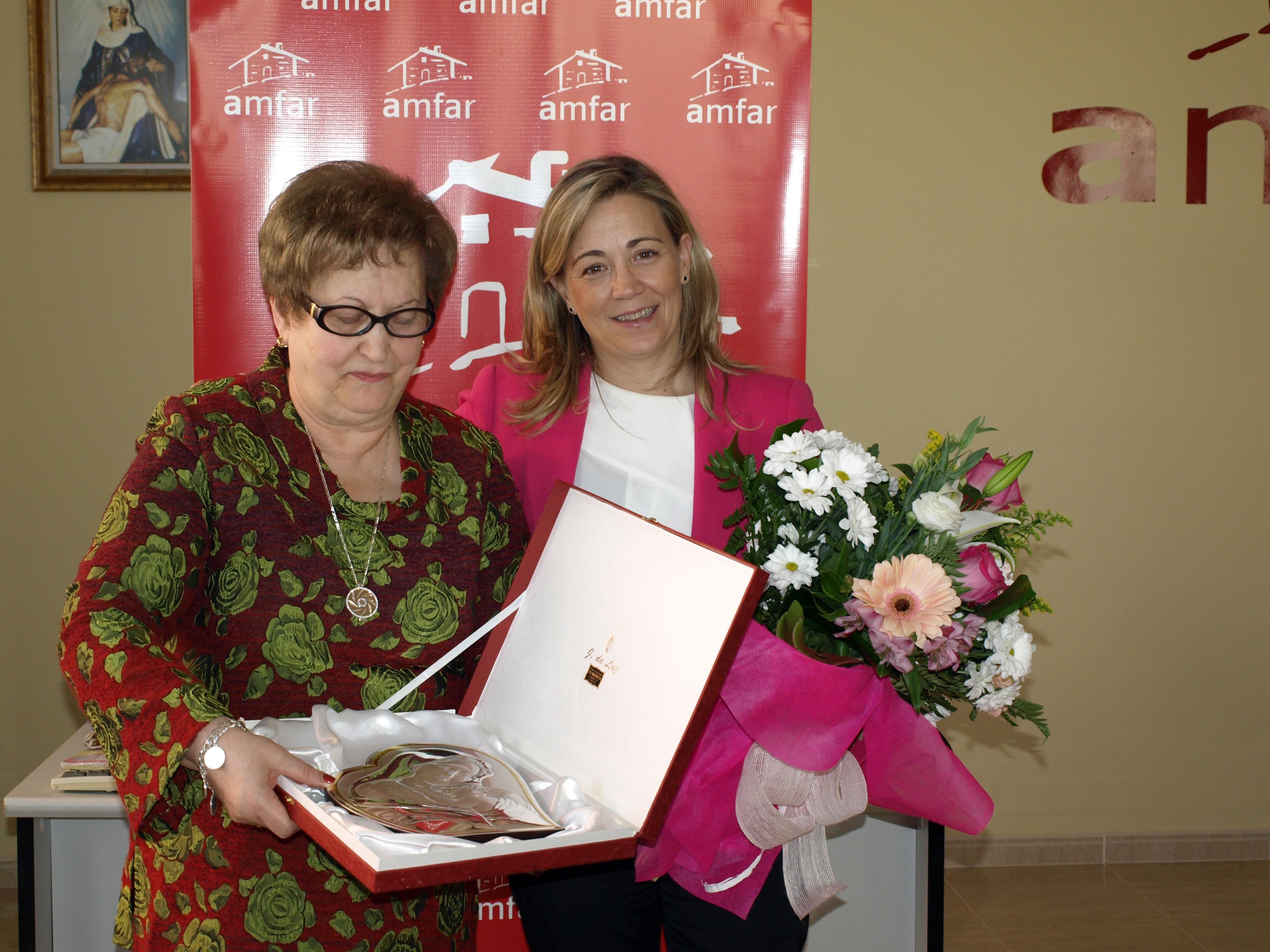 La asociación de La Solana reconoció la trayectoria de la presidenta, lola merino